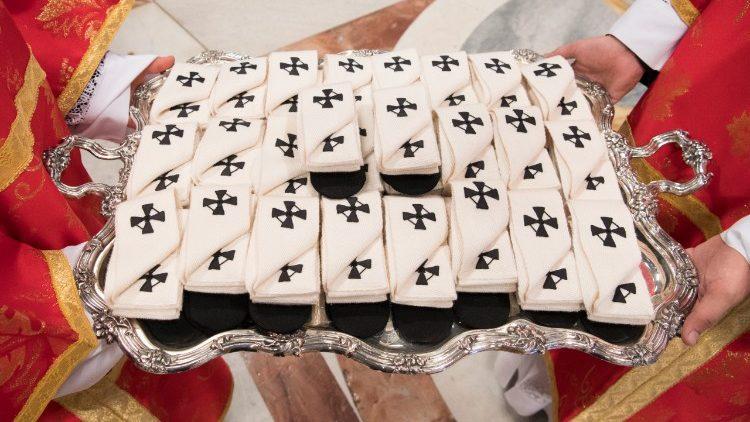 Palios a serem entregues aos novos arcebispos