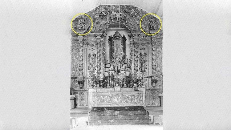 Conjunto escultórico pertencente ao altar-mor da igreja histórica